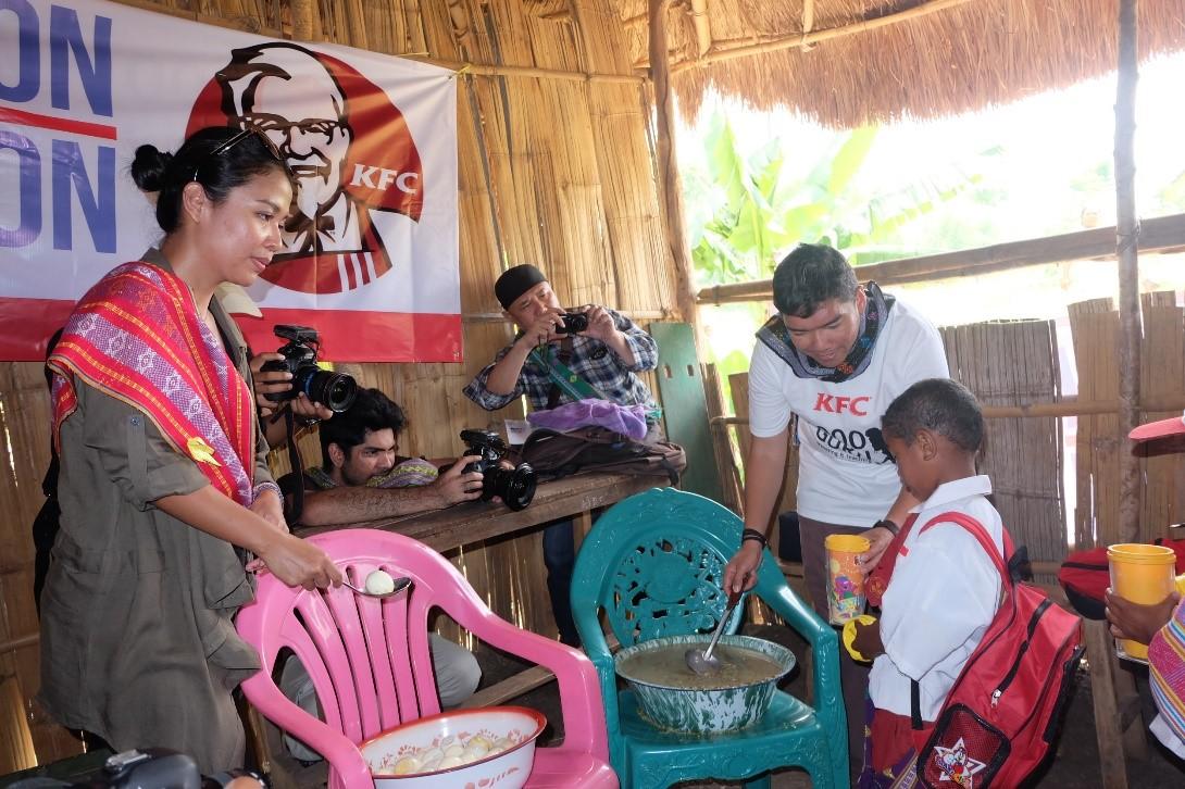 KFC Indonesia dan Komunitas 1000Guru Bantu Tingkatkan Kualitas Pendidikan dan Gizi Anak-Anak Di Pedalaman Nusa Tenggara Timur